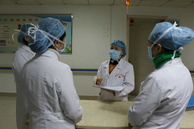 绵竹市人民医院:面对疫情 退休后她再次请缨上岗