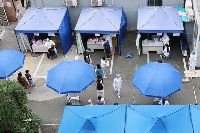 航空总医院全院干部员工加班奋战 全力开展新冠病毒核酸检测工作
