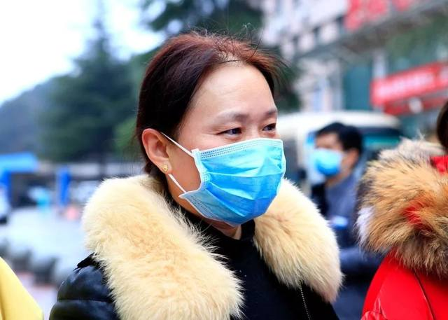 贵州来了!贵医大二院一天两支医疗队启程驰援湖北鄂州!