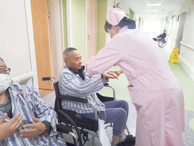 老年护理一病区的「手指操」让阿兹海默症「渐行渐远」