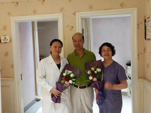 中国医师节,致敬中国医生,值得尊重!