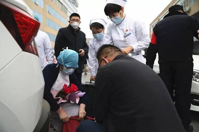 河北医大一院 5 名医护人员奔赴湖北投入疫情救援