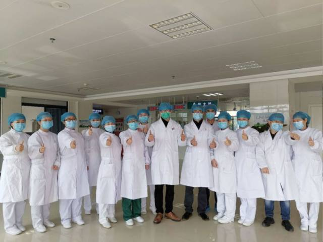 鹰潭市人民医院隔离病房里的青春战歌