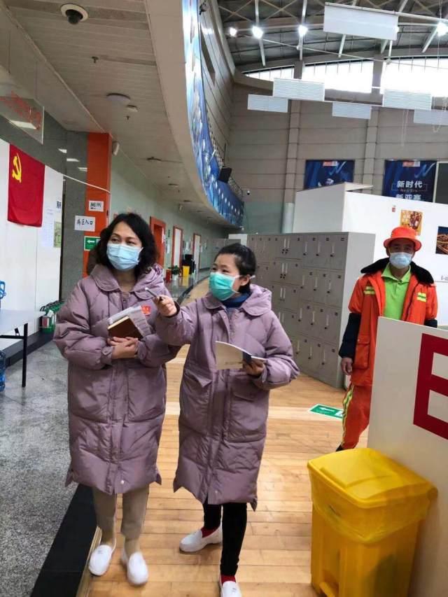ICU 护士长冯爱英:零感染,打胜仗,不胜不归!