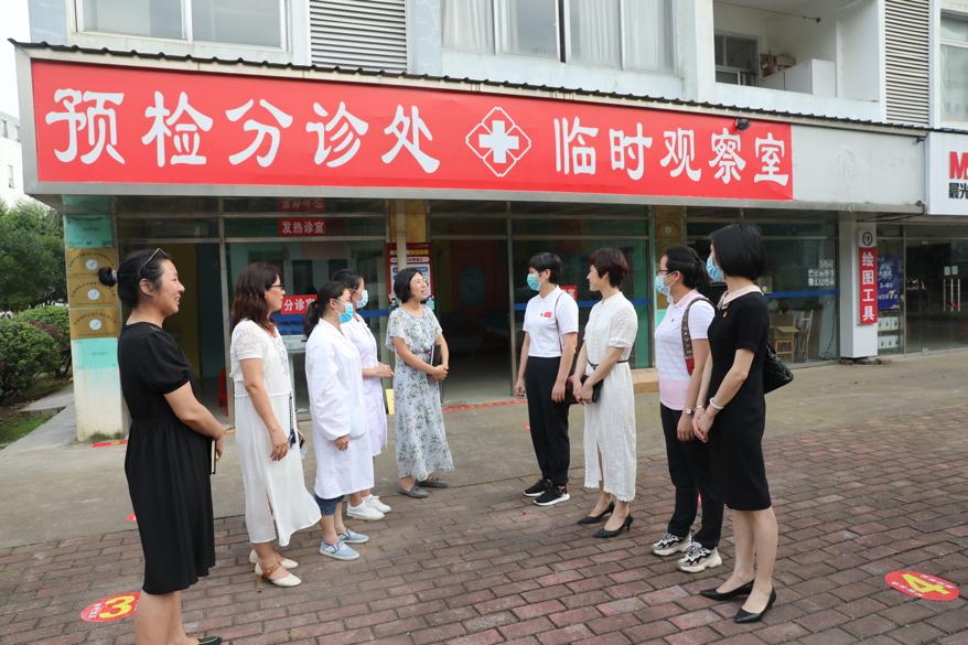 广西壮族自治区南溪山医院「 抗疫」 公益宣讲团走进师大漓江学院