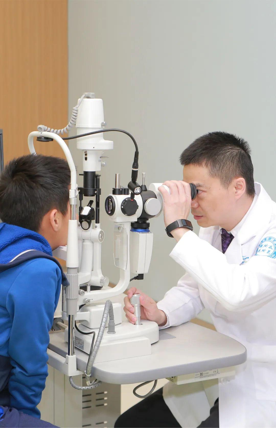 热烈祝贺上海美视美景眼科门诊部梅颖院长荣获「闵行区优秀医师」称号