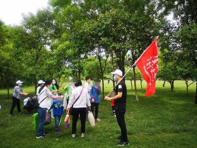 「生命健康,行走的爱」全国九城公益健步走活动郑州知了站集讯