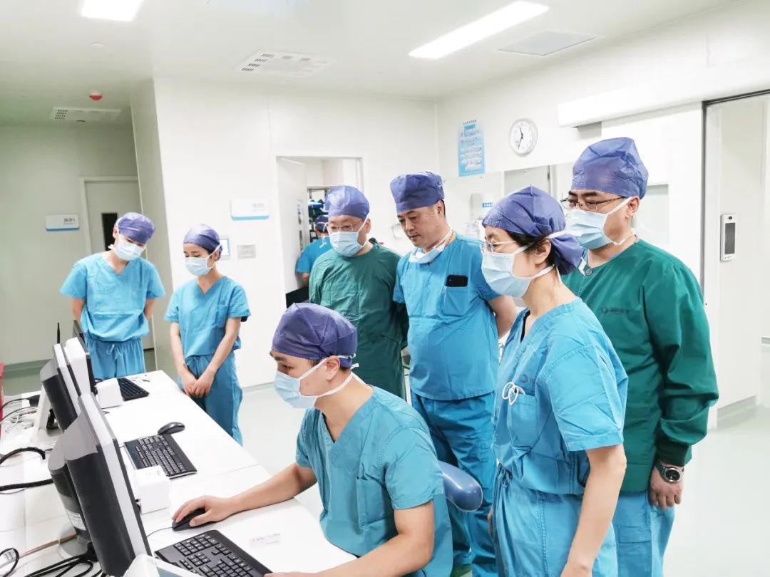 我院完成全国首例术中磁共振辅助下的「乳腺癌精准保乳手术」