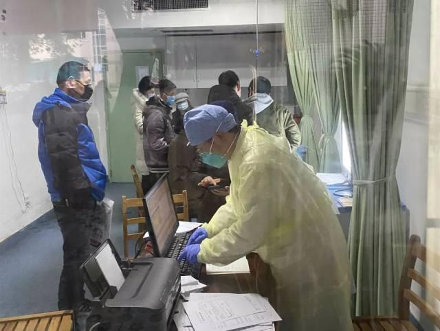 华润武钢总医院:发热视线丨忘我是这里的共性