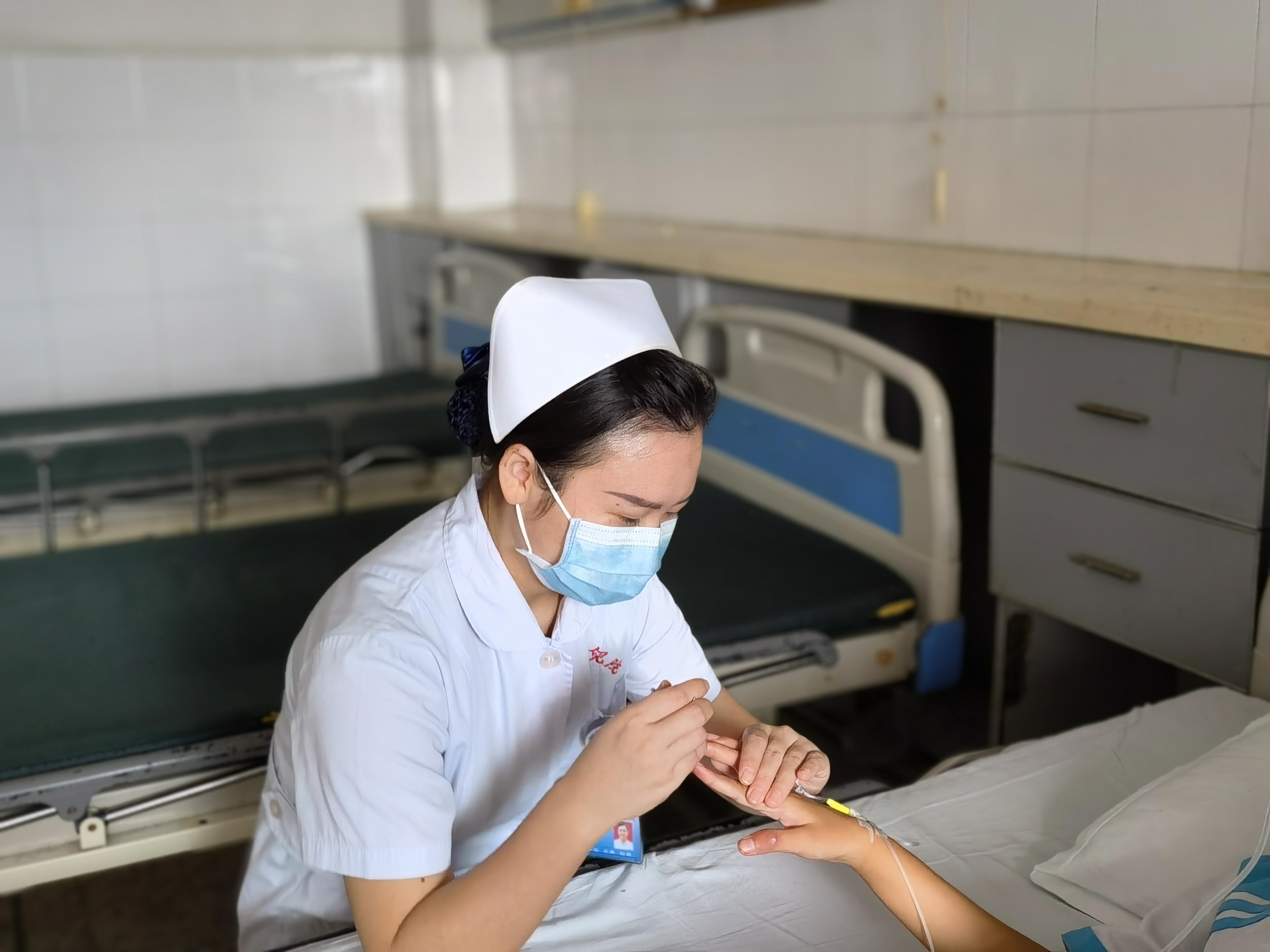 江西省儿童医院饶蒙获「2021 江西最美护士」荣誉称号