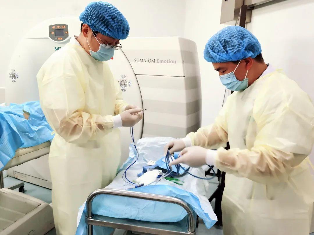 长治市中医医院成功开展 CT 引导下肝转移癌微波消融术