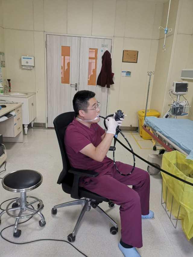 超硬核!为了体验患者感受 浙四医生自己给自己做胃肠镜