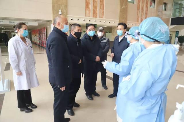 省总工会慰问甘肃省人民医院