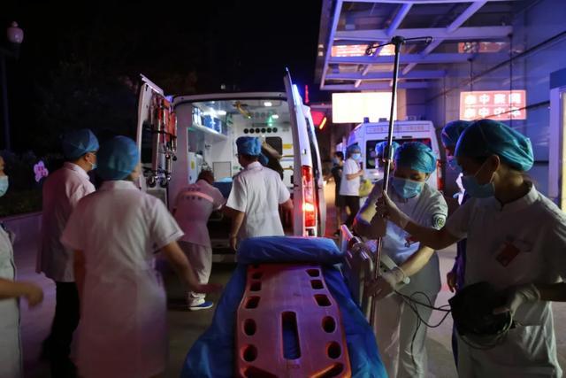 176 小时劫后余生——医院救治厚坝镇隧道垮塌被困伤员纪实