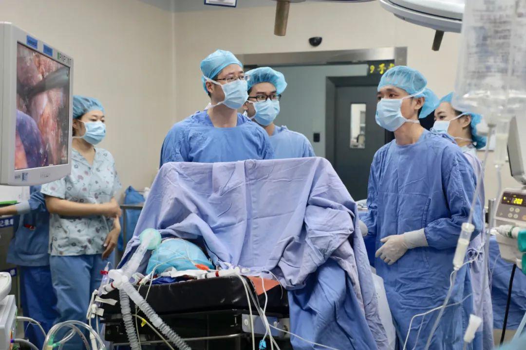 国际首例「蔡氏 ALPPS」联手转化治疗,34 岁肝癌晚期患者绝处逢生