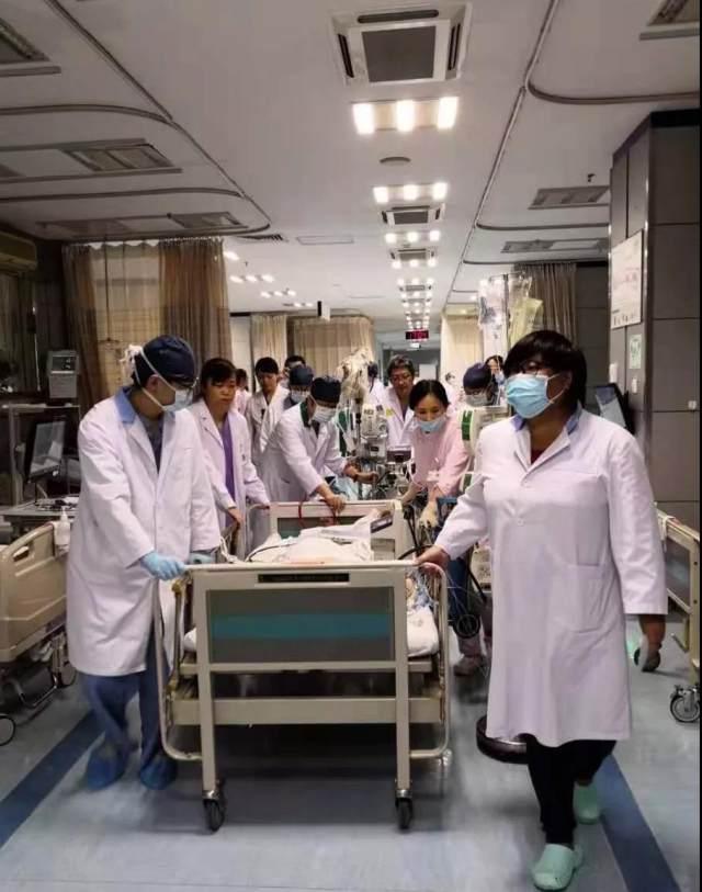 10 分钟!ECMO 撑起生命希望 3 小时! 多学科团队创造「心」奇迹