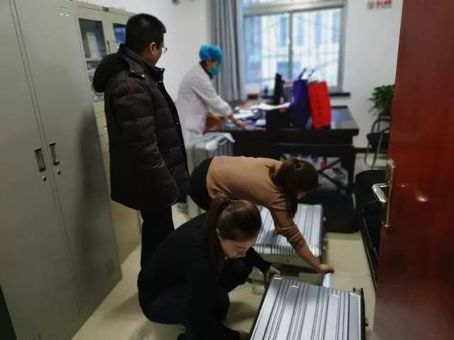 西安市第九医院为赴湖北医疗队队员壮行