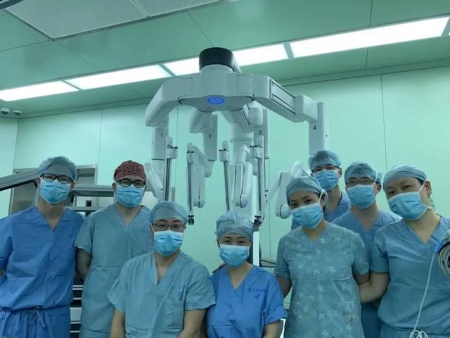 漂亮!浙大儿院达芬奇机器人完成「首秀」,出血不到 2 毫升