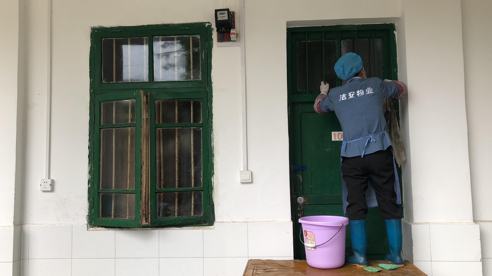 多措并举全力以「 复」 自治区南溪山医院为返院学生筑牢安全防线