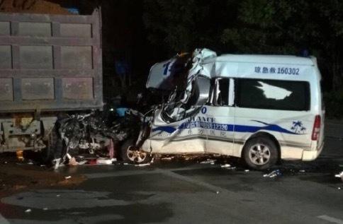 海南两位 120 同行遭遇车祸遇难