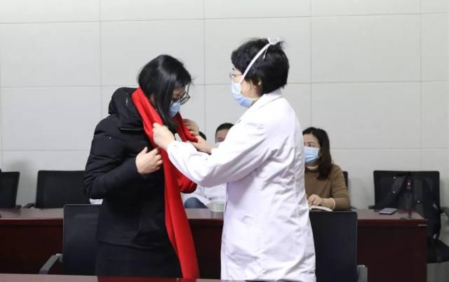 东南大学附属中大医院汪群:「等妈妈打赢怪兽,就带你出去玩!」