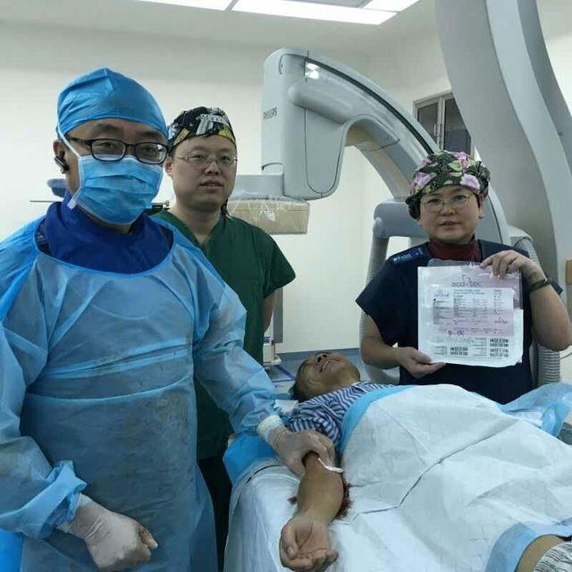 西北首例肠系膜上动脉药物涂层球囊成形术在西安交大一附院成功实施