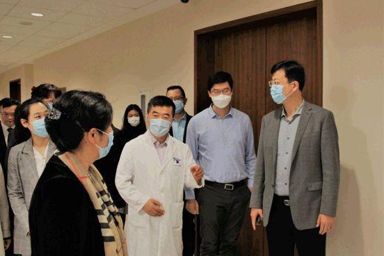 青岛大学医学部考察上海德达医院,探索专科临床医学人才教学合作