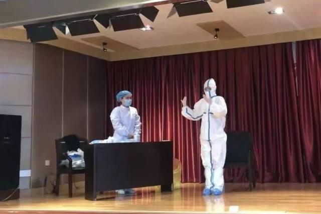 武汉抗疫前线护士摘下口罩后的照片曝光,太让人心疼了!