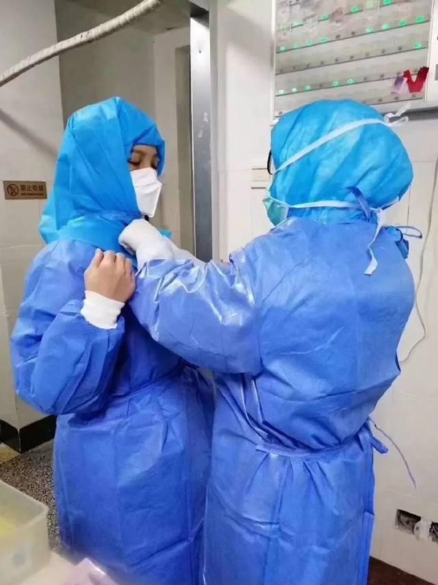 一座上不了热搜的县城医院,在打一场广西最难的「战疫」