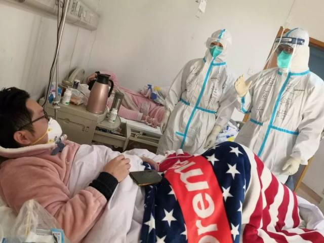抗疫前线 军医儿子延迟婚礼请缨走上抗疫「战场」,军护母亲大义含泪相送