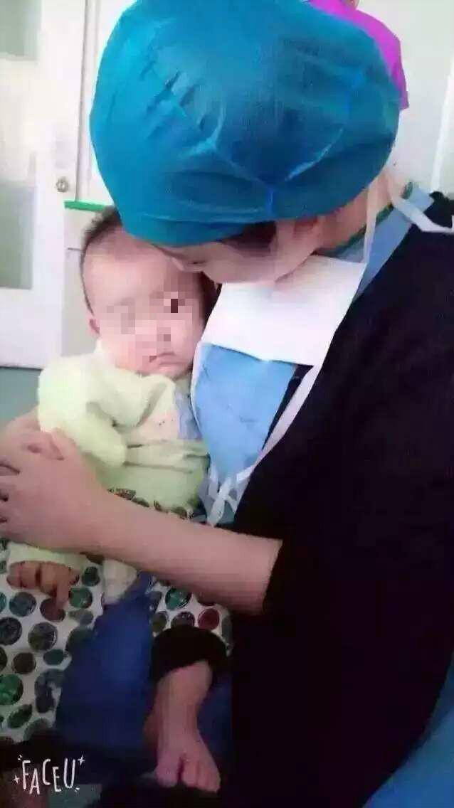 孩子被父母抛弃在医院 山东省立医院的医护们轮流照看了一年