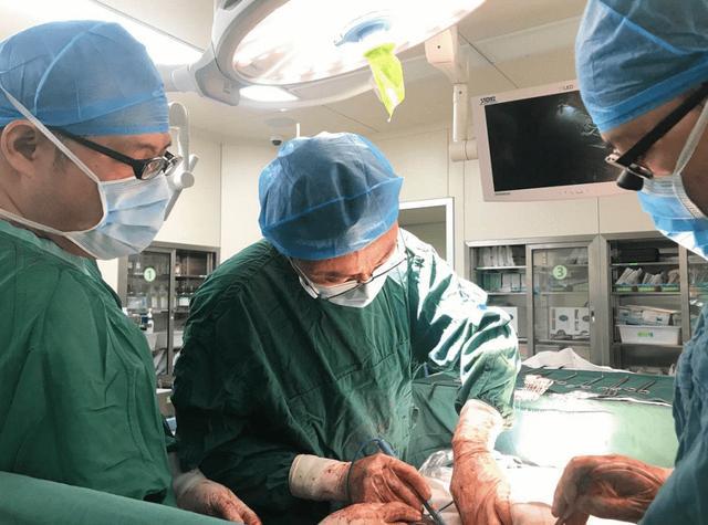 西安交大一附院多学科联手成功完成一例复杂腹膜后肿瘤精准切除手术