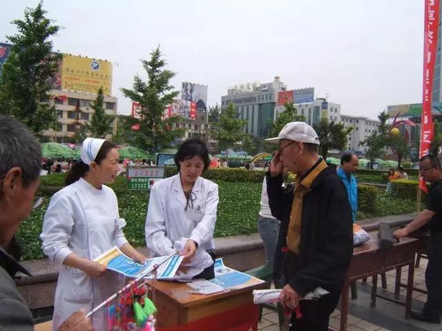 """【深度解读】市一院第三个""""中国医师节""""亮点之""""终身成就奖"""""""