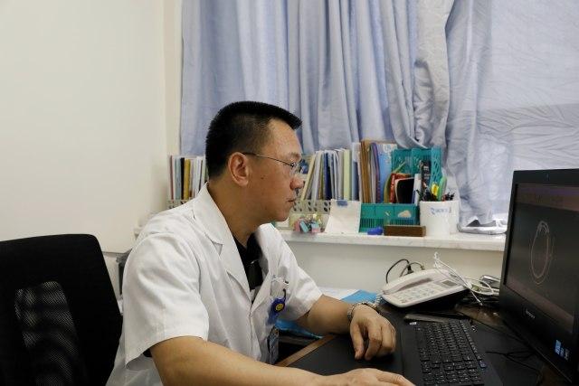 李钢:满腔热忱不惧付出 只为患者健康