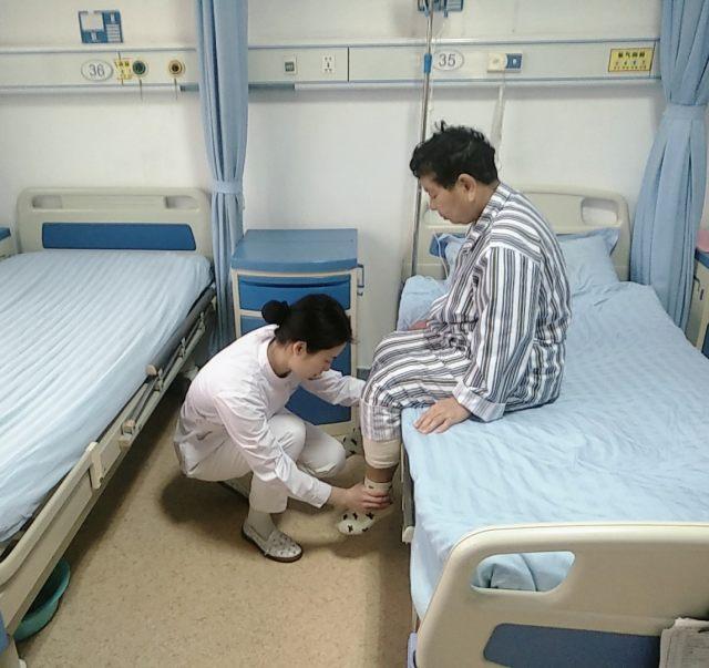淄博万杰:「全膝关节表面置换术」+无陪护专业护理,助力患者早康复
