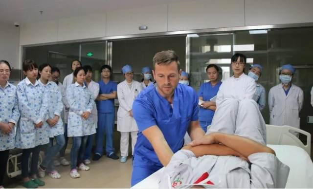 心脏病患者术后感染毛霉菌,明慈医院 ICU 悉心照料跑赢「死神」