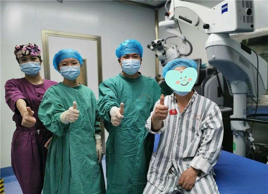 柳州首例:10000 切速的玻璃体视网膜手术在我院成功实施