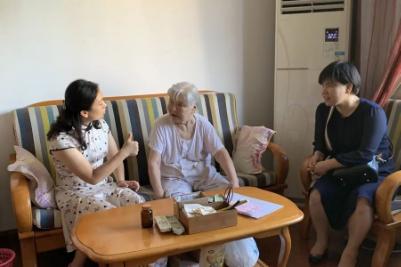 「敬老爱老,情暖重阳」——柳州市红十字会医院开展 2021 年重阳节慰问活动