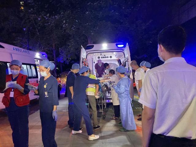 一人一策,全力救治!13 名温岭危重伤者陆+空转运至浙大二院