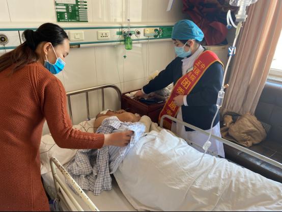 支援武汉 90 后男护士的「古文体」家书让人泪目!