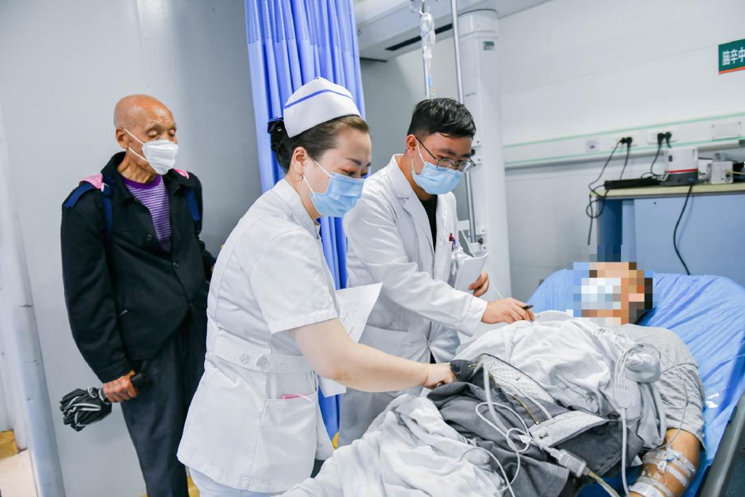 【泸州 6.0 级地震】西南医科大学附属医院展开全力救援