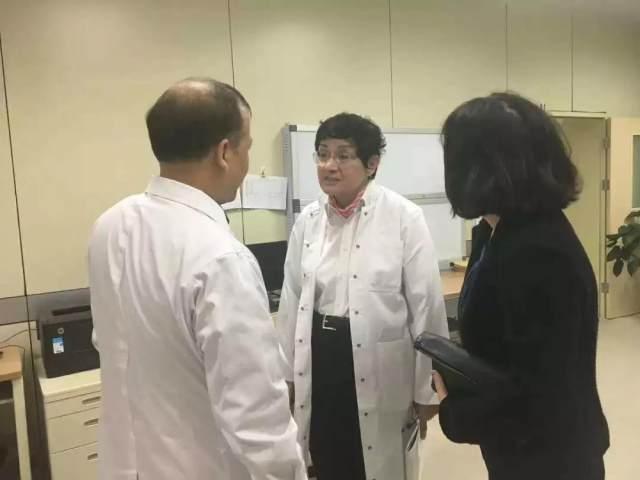 经验与技术的交流——德国专家 Dr. Ruth Strasser 走进明慈医院