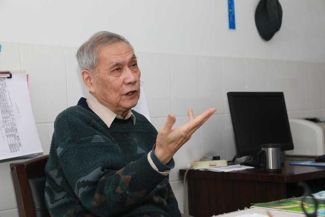 武汉大学附属中南医院感染科教授桂希恩:预计正月十五前武汉市的疫情可能出现「拐点」