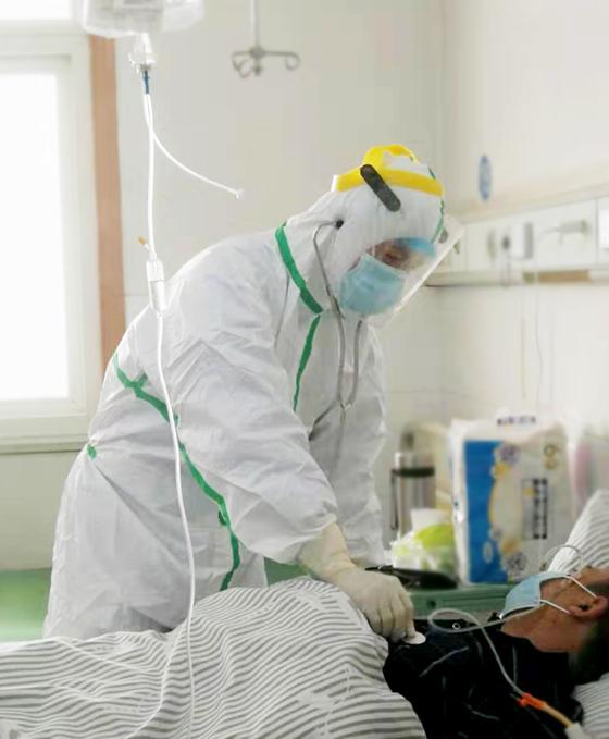 六安市人民医院隔离病区收到的「生日礼物」