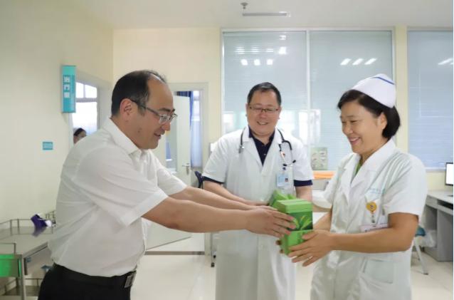 潍坊市人民医院开展「关爱职工 夏送清凉」活动