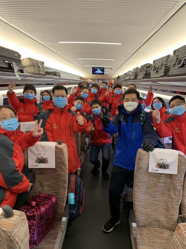 北大医疗第二支整建制医疗队出征  累计 80 名医务人员驰援前线