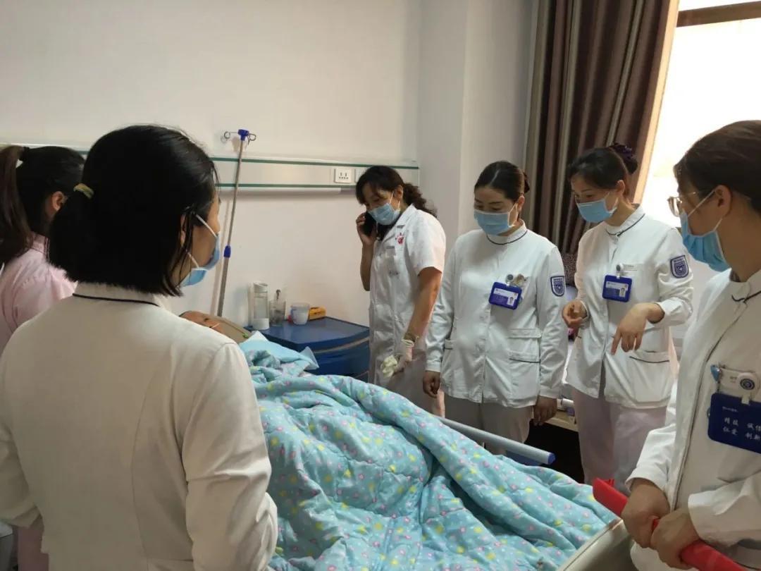献礼建党 99 周年丨专科护士走进安平养老护理院