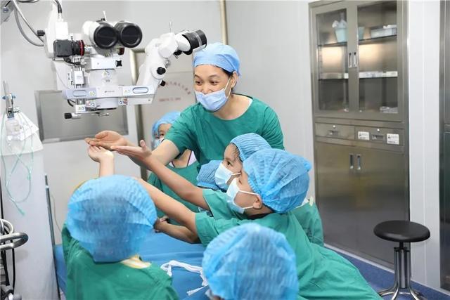 关注青少年近视 推进眼健康工作