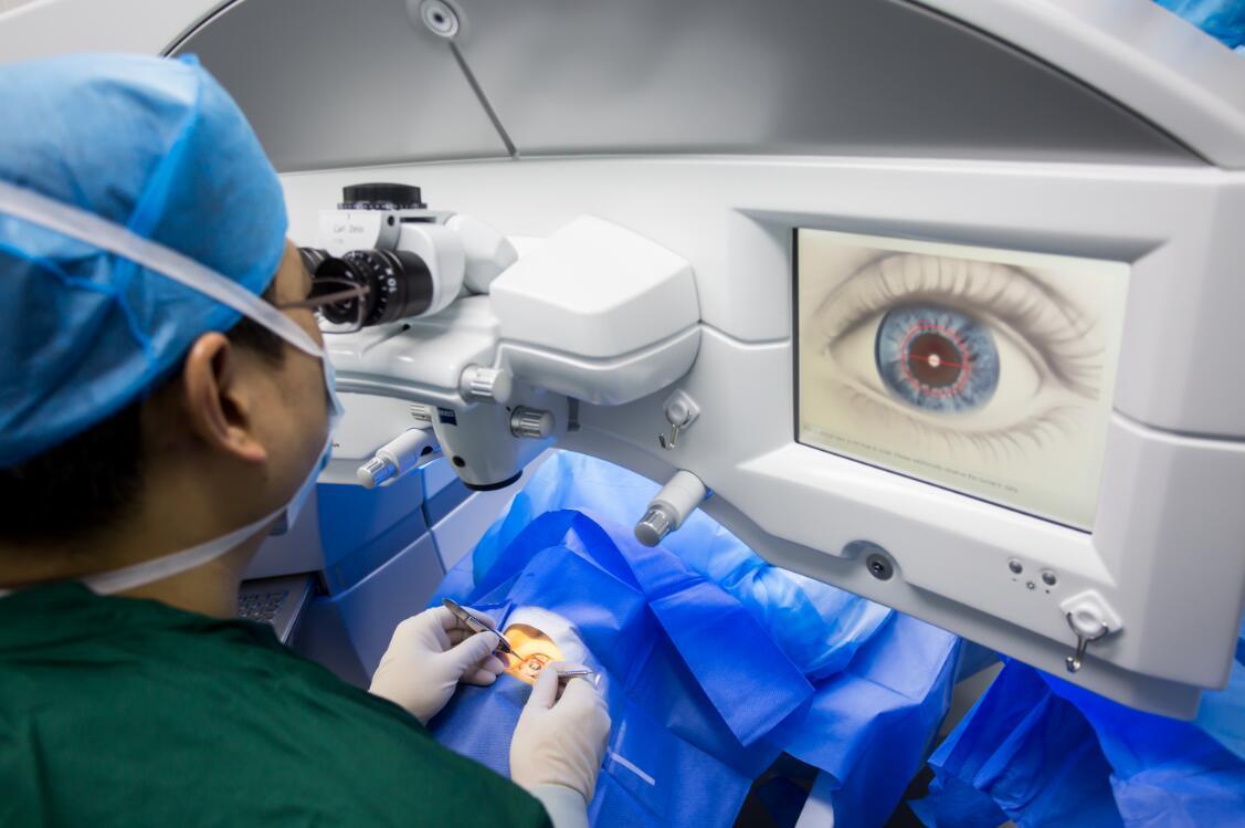 近视手术效果可以维持多久?沃瑞眼科告诉你!