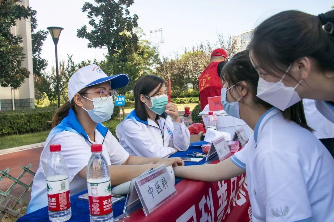 全国科普日,阜阳市妇女儿童医院义诊团队来到这里
